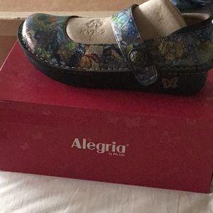 Algeria nurse shoe